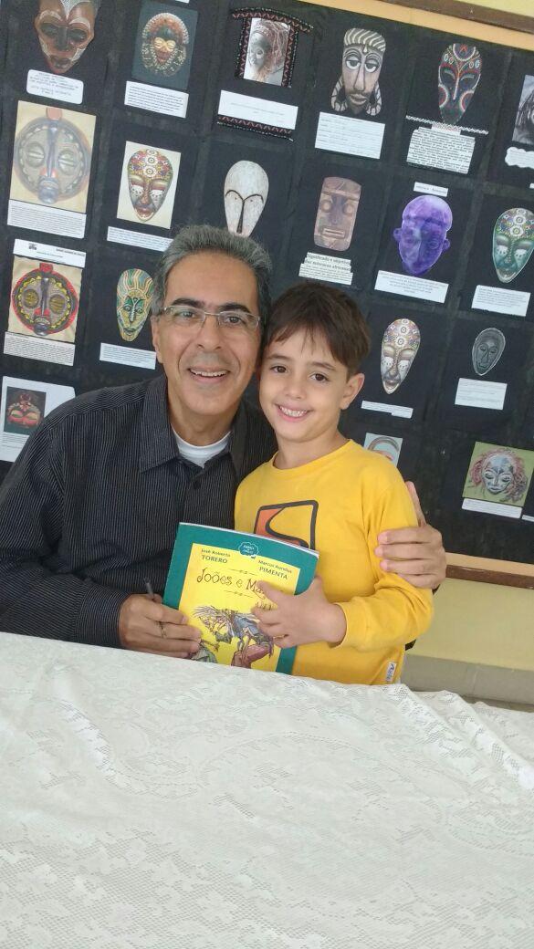 Na última sexta-feira, tivemos uma manhã muito especial e enriquecedora. Recebemos no Colégio Santer o roteirista, jornalista e autor de consagrados livros da literatura infantil, Marcus Aurelius Pimenta.